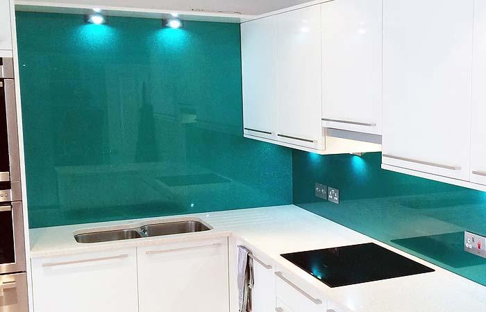 Glass splashbacks crawley2