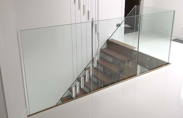 Quality glass staircases crawley